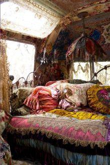 amanda-hocking-camper