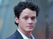 "HOLLYWOOD, CA - AUGUST 17: Actor Anton Yelchin arrives to a screening of Dreamworks Pictures' ""Fright Night"" on August 17, 2011 in Hollywood, California. (Photo by Alberto E. Rodriguez/Getty Images)"